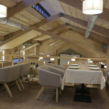 Ресторан з клеєного бруса